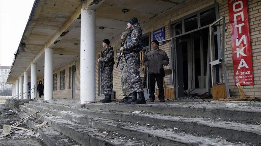 EE.UU. acusa a Rusia de seguir desplegando armas pesadas en el este de Ucrania