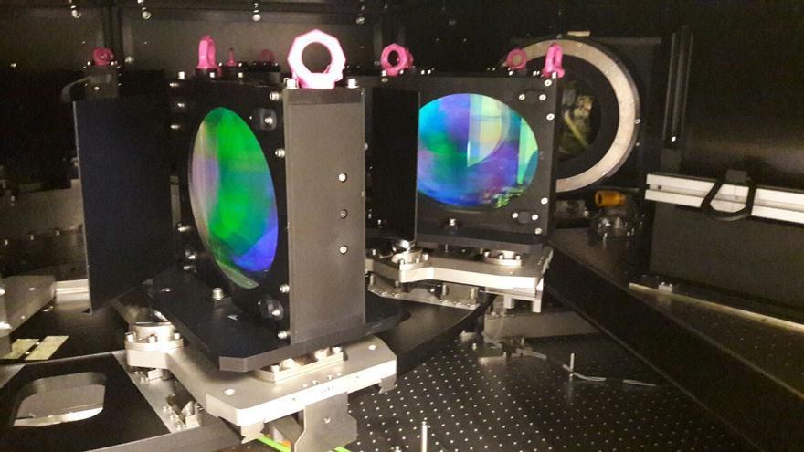 Imagen de la configuración del MEGARA  durante la visita del equipo de Gratecan a las instalaciones de UCM (laboratorio LICA).