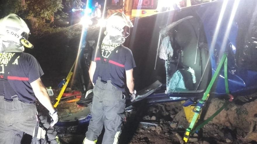 Herido un joven hondureño de 23 años al chocar de madrugada con un árbol en Argomilla