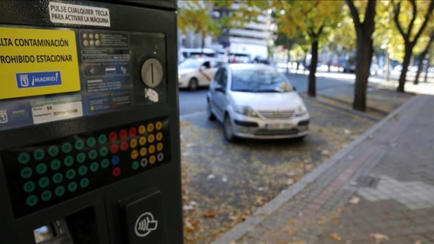 Los no residentes no pueden aparcar en el centro de Madrid por tercer día consecutivo