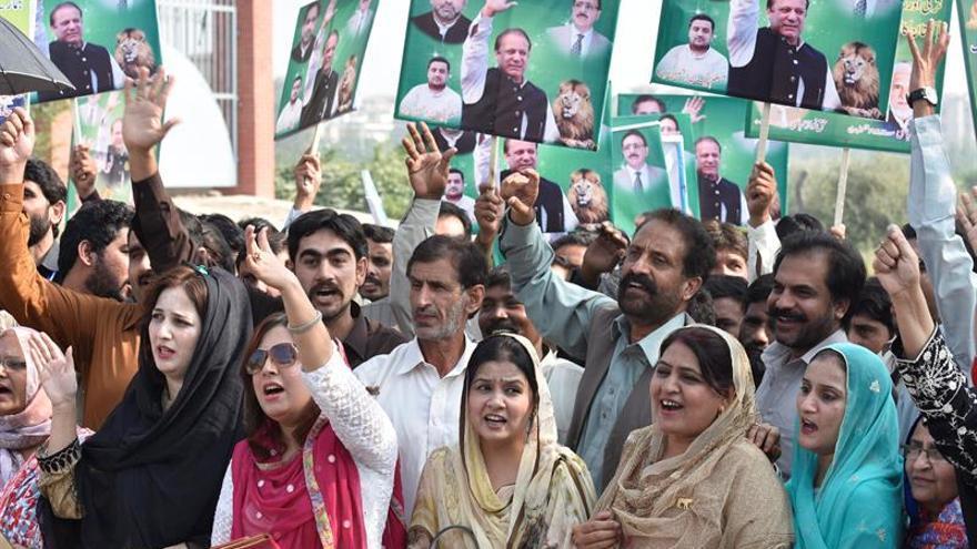Órdenes de arresto contra los tres hijos del ex primer ministro de Pakistán