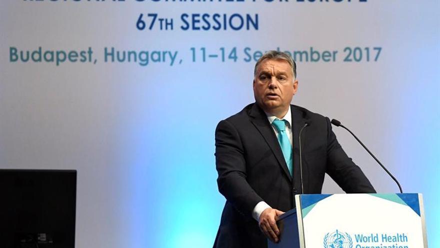 """Hungría tilda de """"inquisitorial"""" el proceso abierto por la CE contra Polonia"""