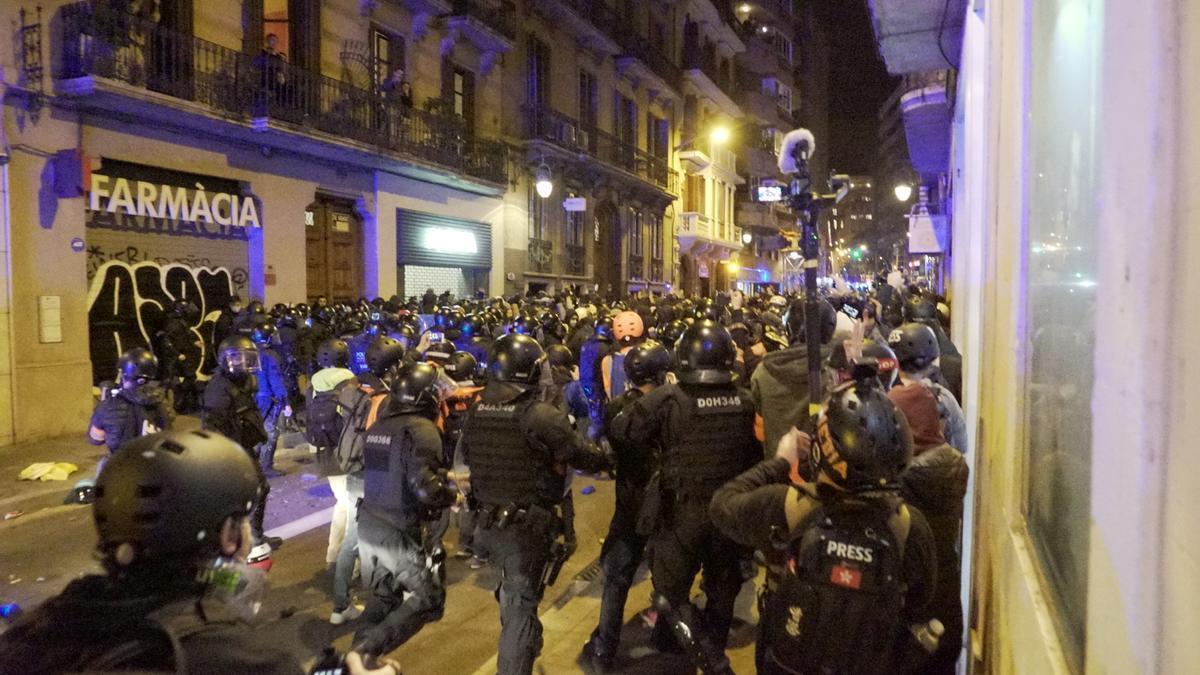 Cargas en el barrio de Gràcia en la manifestación del sábado.