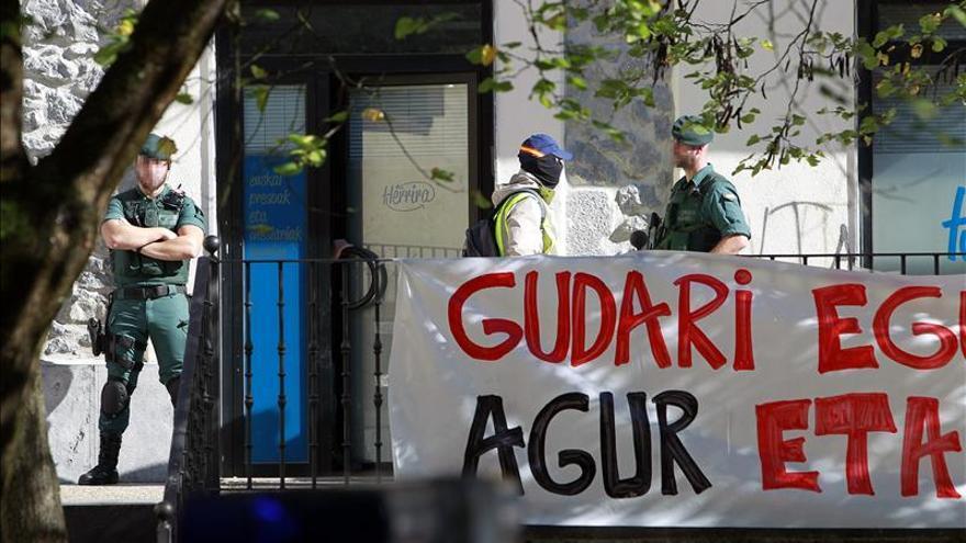 Dieciocho detenidos miembros de Herrira, organización de apoyo a los presos ETA