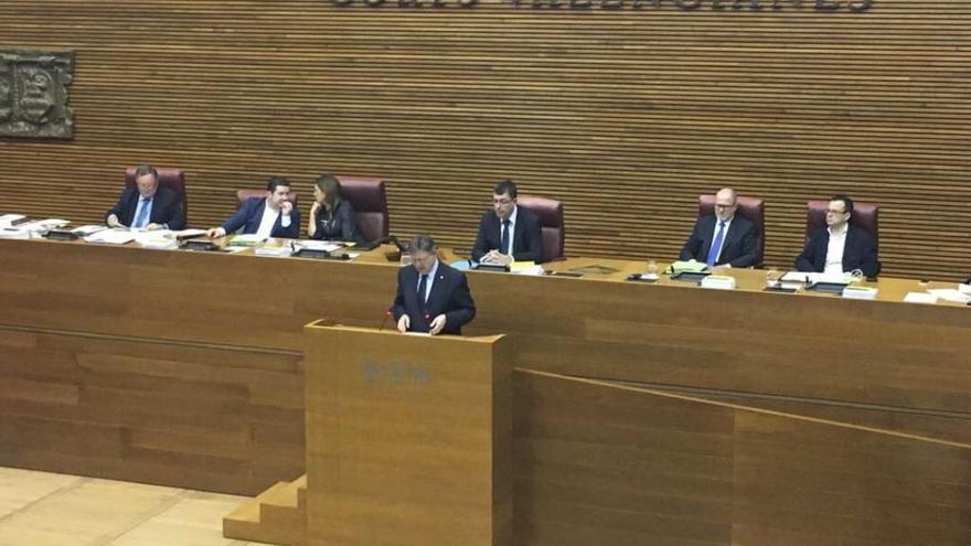 El presidente Ximo Puig en la sesión de control.