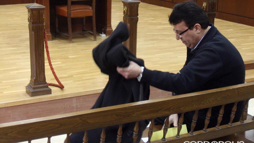 El exalcalde, en el banquillo de los acusados de la Audiencia  MADERO CUBERO