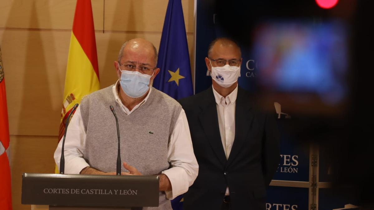 Francisco Igea, durante su intervención en la rueda de prensa del Grupo Parlamentario Ciudadanos.