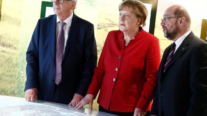 Juncker pedirá a los líderes de la UE que confirmen de nuevo el mandato para el TTIP