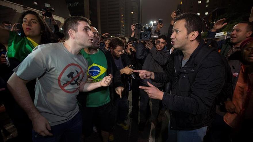 Manifestantes a favor y en contra de la condena a Lula protestan en Sao Paulo