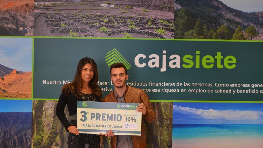 Daniel Sánchez con la coordinadora académica de la Universidad Internacional de Canarias, Sandra Blanco.
