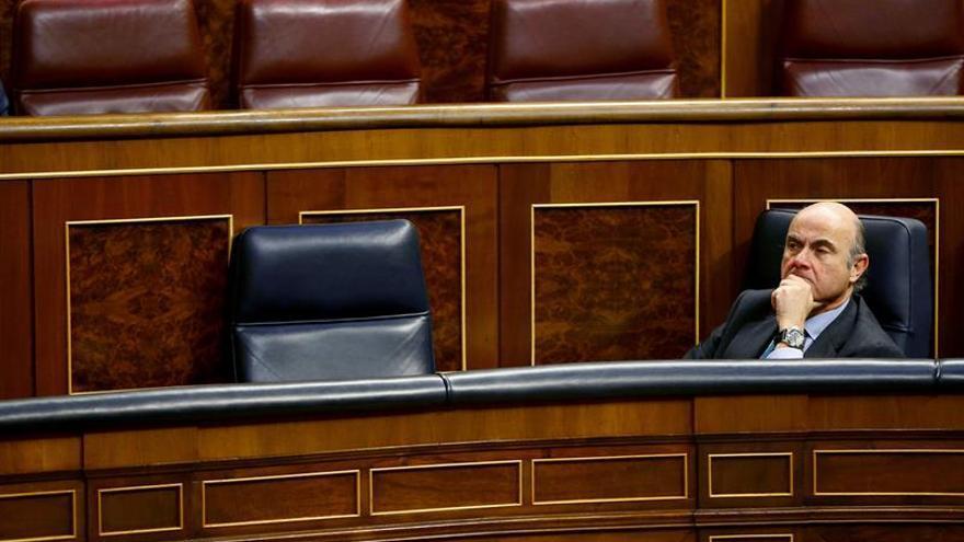 El PSOE dice que el gran problema de Guindos para el BCE es su no independencia