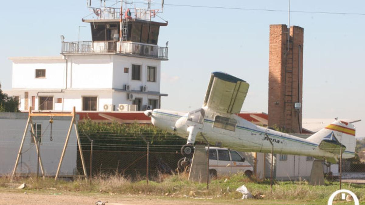 magen de la torre de control del aeropuerto de Córdoba