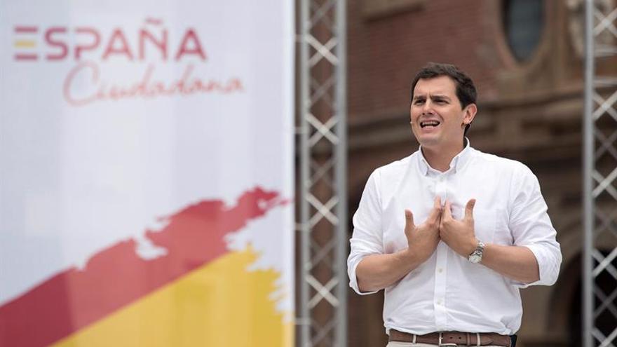 Rivera plantea que partidos deban obtener un 3 % del total nacional de votos