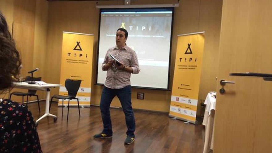 Uno de los talleres TIPI impartidos a lo largo de la red ONG comprometidas por la inclusión social, EAPN.