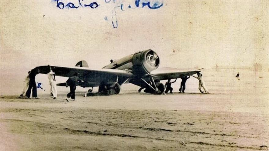 Fotografía enviada por Francisco Moriñigo cuando cumplía el servicio militar en Cabo Juby.