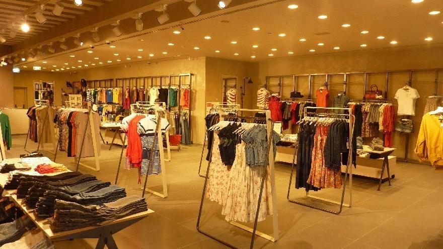 Mango pone en marcha el servicio de compra con tableta en sus tiendas