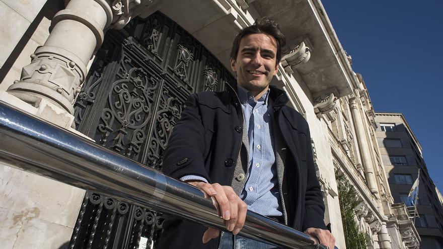 El secretario general del PSOE de Santander, Pedro Casares.   JOAQUÍN GÓMEZ SASTRE