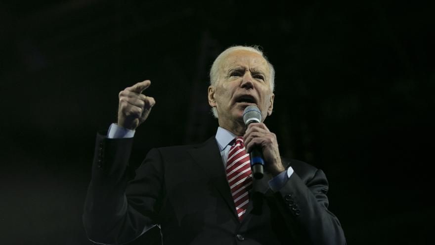 Biden lidera cómodamente los sondeos a menos de cuatro meses de los comicios