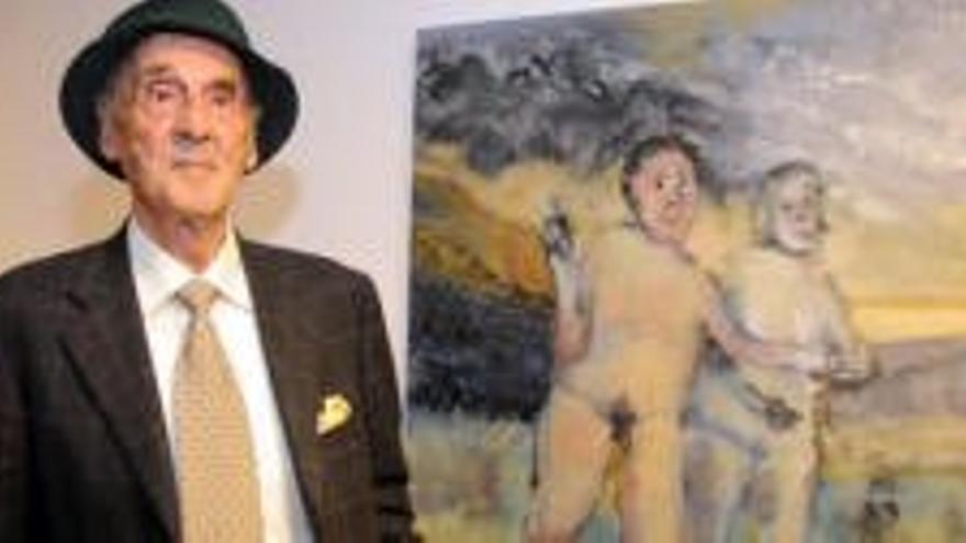 Pedro González en una exposición.