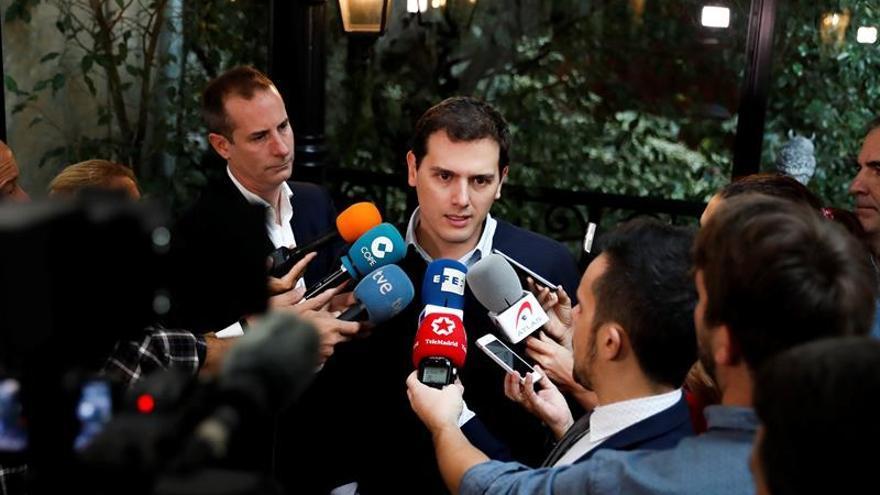 "Rivera cree que la derrota de ETA es un ""mensaje claro"" al que intenta ""romper un país"""