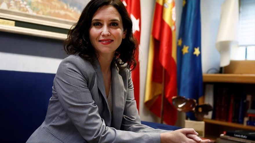 Ayuso cree que la denuncia de Podemos sobre Vox crea un folclore innecesario