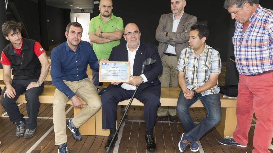 Oria recibe la distinción 'Centro Bandera Azul', otorgada al Centro de Interpretación de las Marismas de Santoña