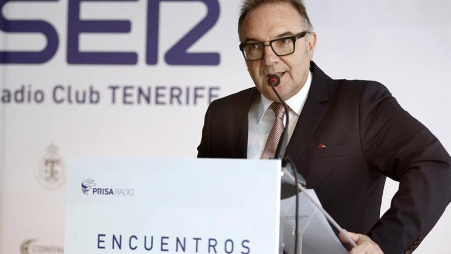 El consejero de Sanidad del Gobierno de Canarias, José Manuel Baltar. EFE/Cristóbal García
