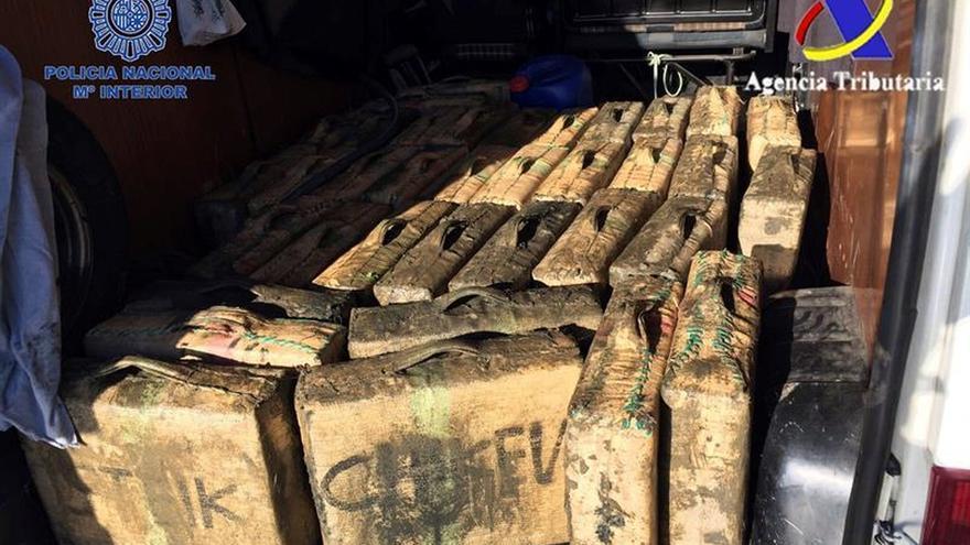 Desmantelada una de las principales redes de tráfico de hachís en sur España