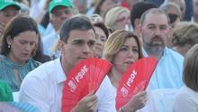 """Susana Díaz asegura una campaña centrada en la gente frente a las """"frivolidades"""" del merengue y corazones"""
