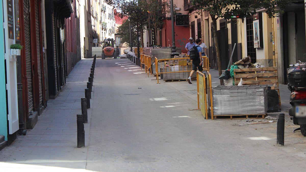 Obras de renovación del adoquinado en la calle Pelayo | SOMOS CHUECA