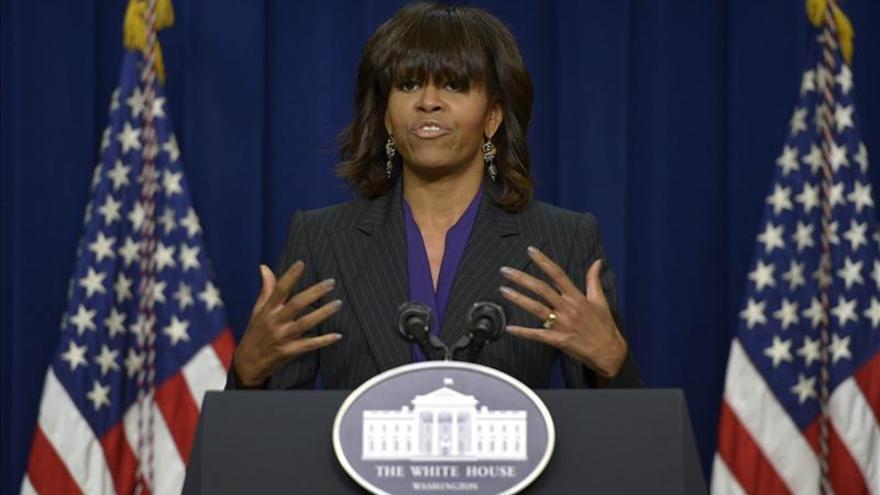 Michelle Obama se reúne con varios sobrevivientes del atentado de Boston