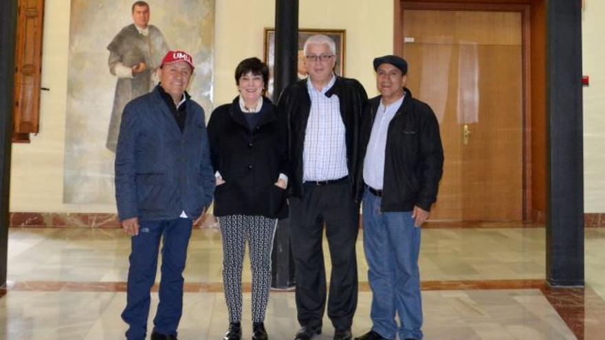 Representantes de los órganos de justicia del Agua de Murcia y Perú