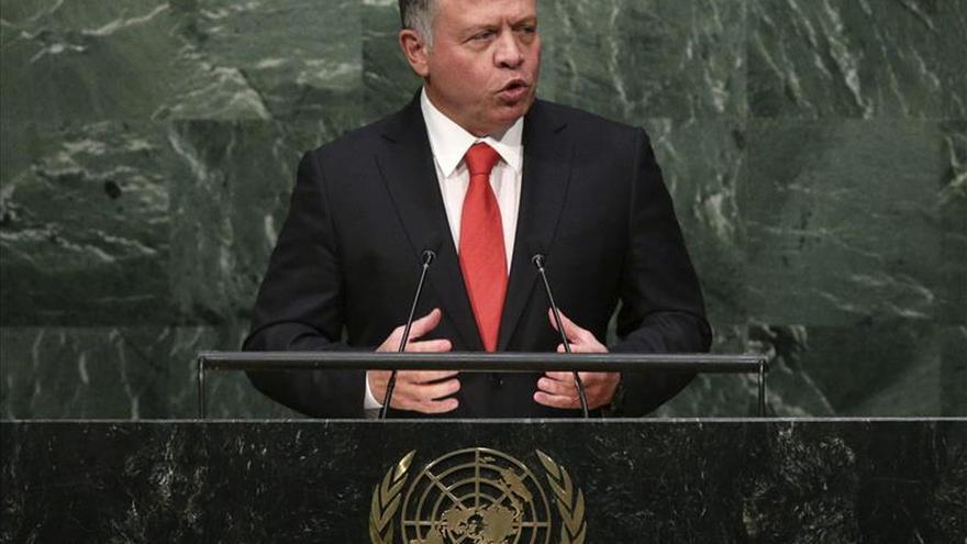 El rey jordano dice que los mismos musulmanes deben luchar contra el extremismo
