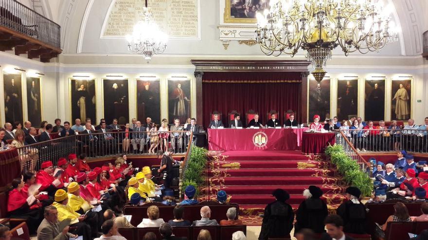 El paraninfo de la Universidad de Valencia ha acogido el inicio del curso académico