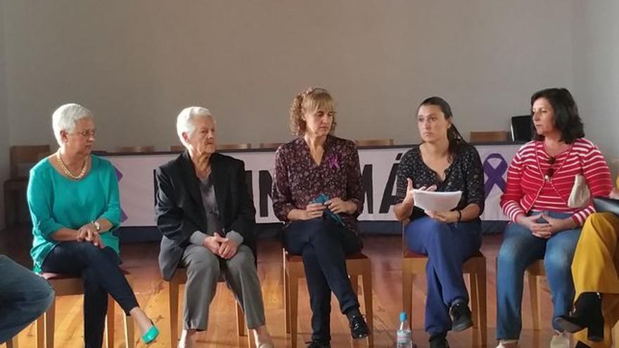 En la imagen, reunión de la Asociación Tod@s Somos Laura.