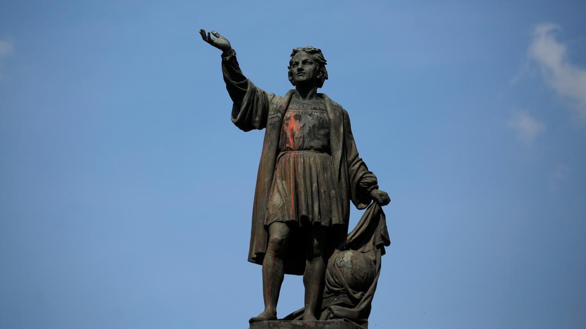 Imagen de la estatua de Cristóbal Colón en la avenida Reforma, Ciudad de México.