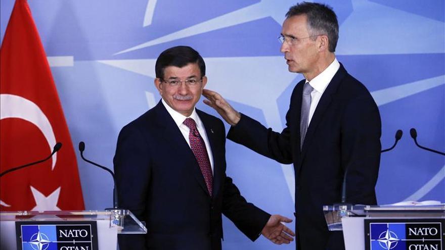 Ministros de la OTAN abordan cómo evitar casos como el del avión ruso y la amenaza del EI
