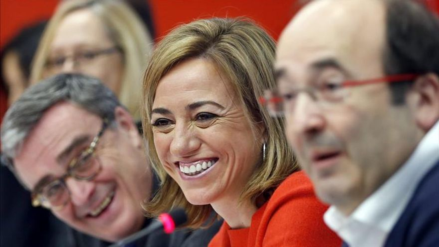 Chacón se mantiene firme en que Cataluña vote una reforma de la Constitución