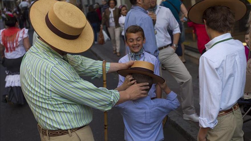 """El sombrero cordobés llega al Museo del Traje para hacerse """"hueco"""" en la moda"""