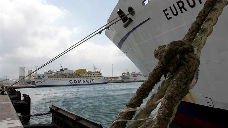 Las navieras cancelan hasta 54 viajes en los tres últimos días en Estrecho
