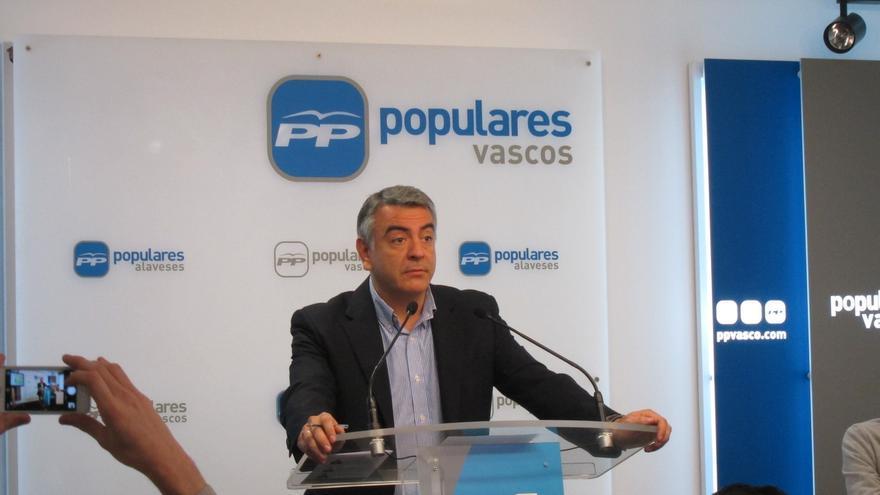 """De Andrés considera """"lógico"""" que el exconcejal del PP alavés que combatió en Siria al Estado Islámico sea procesado"""