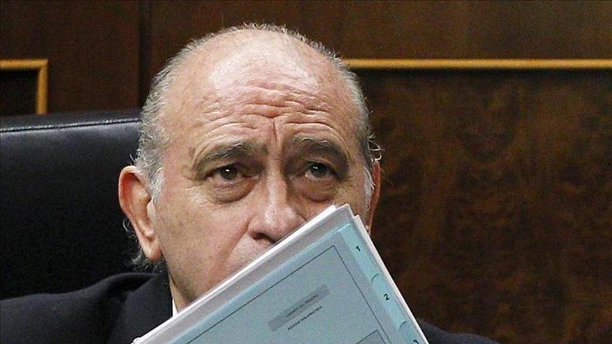 Fernández Díaz, abierto a rectificar las cuchillas si hay otro medio de igual eficacia