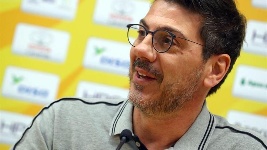 Fotis Katsikaris durante la rueda de prensa previa al partido contra el Coosur Real Betis.