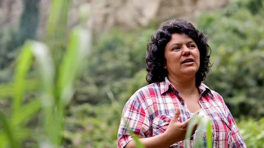 Berta Cáceres fundó en 1993 el COPINH junto a una docena de compañeros y compañeras para defender los territorio indígenas / © Goldman Environmental Prize