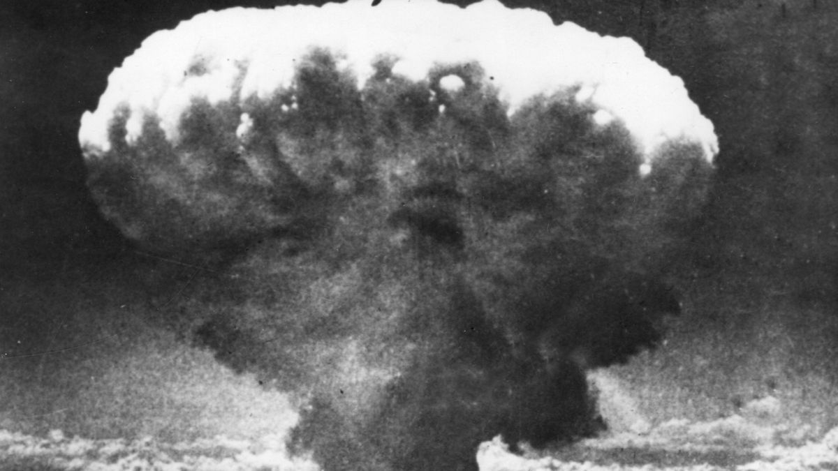 Hongo atómico sobre Nagasaki, durante el segundo ataque nuclear de los Estados Unidos, tres días después del bombardeo de Hiroshima. EFE/EPA/Archivo.