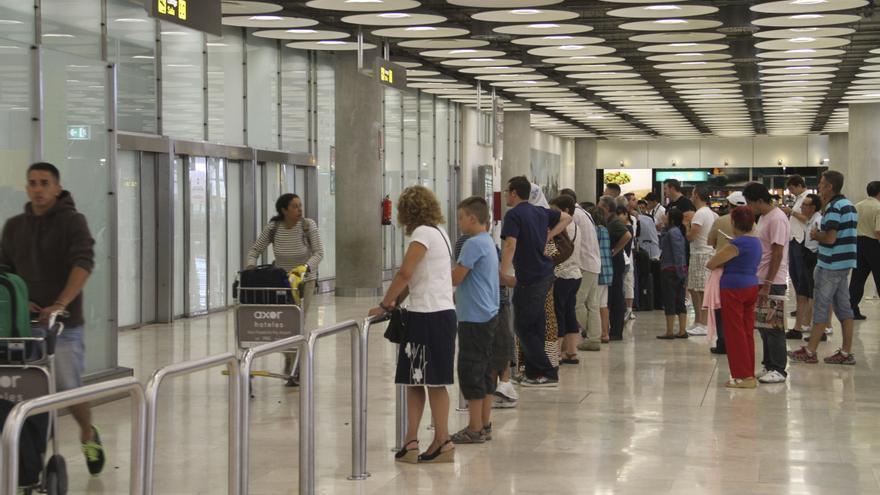 Barajas, sexto aeropuerto con más demoras por control en agosto de Europa