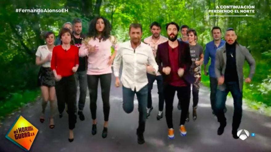 Pablo Motos desvela cómo llegó a la TV en la nueva mega-película del Hormiguero