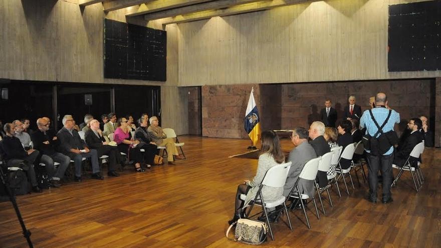 La capital grancanaria acoge este domingo el acto institucional del 23-N contra las prospecciones
