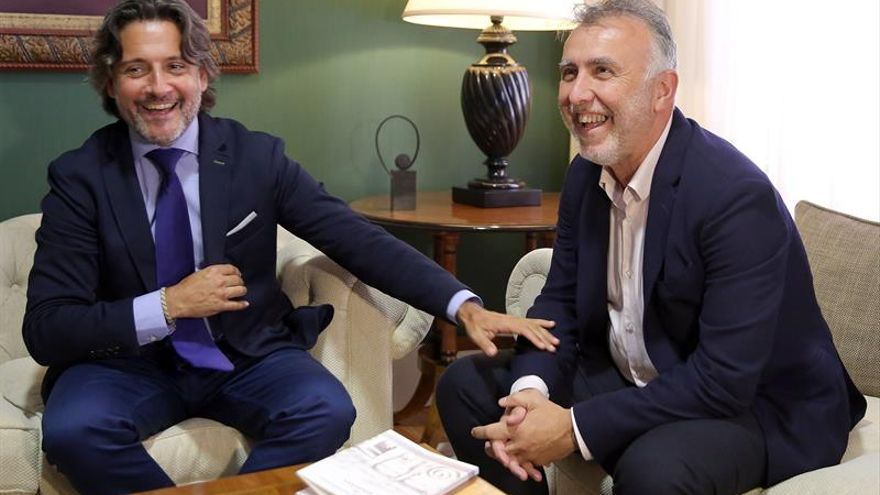 Gustavo Matos y Ángel Víctor Torres, en la ronda de consultas de cara a la investidura en el Gobierno de Canarias