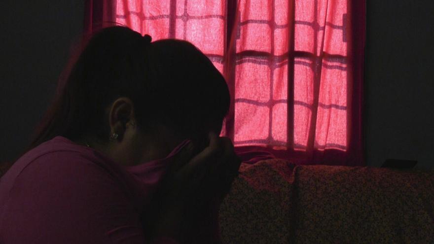 Miriam (nombre ficticio), en su casa de Honduras. Ha intentado migrar a EEUU siete veces.